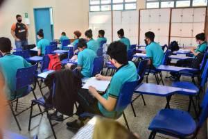 Atividades pedagógicas nas 123 escolas de Ensino Médio são reforçadas pela Secretaria de Educação